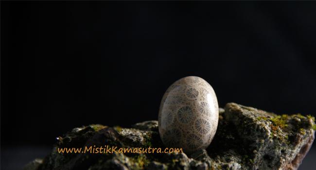 Batu Mustika Ular Naga